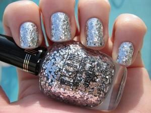 Nail polish Glitters