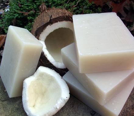 Homemade coconut oil shampoo