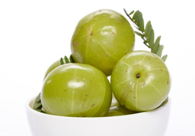 Natural remedies of amala to treat gray hair