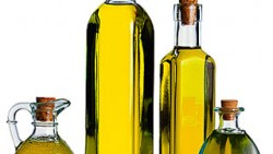 HOW OLIVE OIL IS BEST TO TREAT GREY HAIR