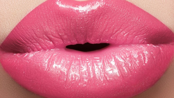 How to get glittery lips for the party?