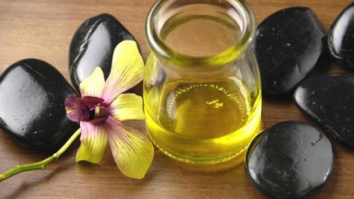 HOME MADE HAIR OIL FOR HEALTHY HAIR