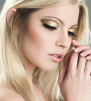 Make up for gold dress