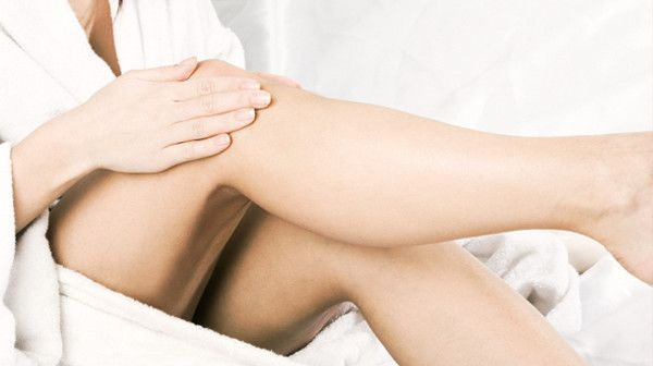 How to cover the varicose veins?