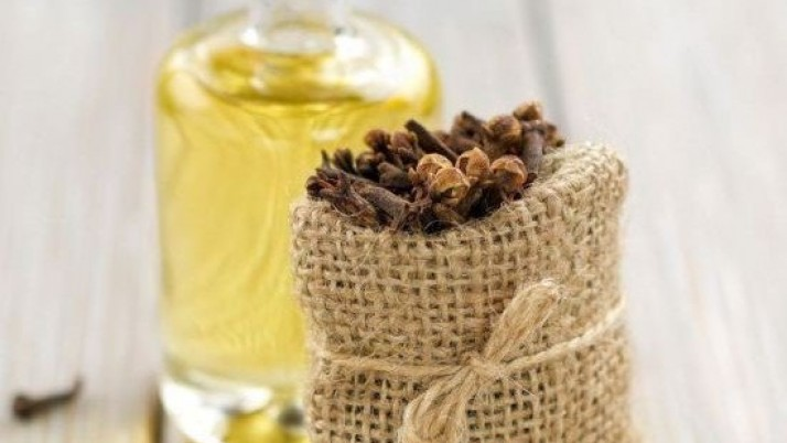 Clove oil for acne