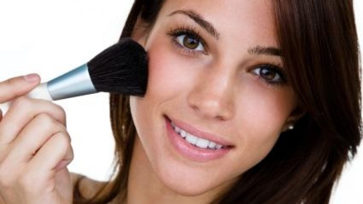 How to use sunscreen with makeup