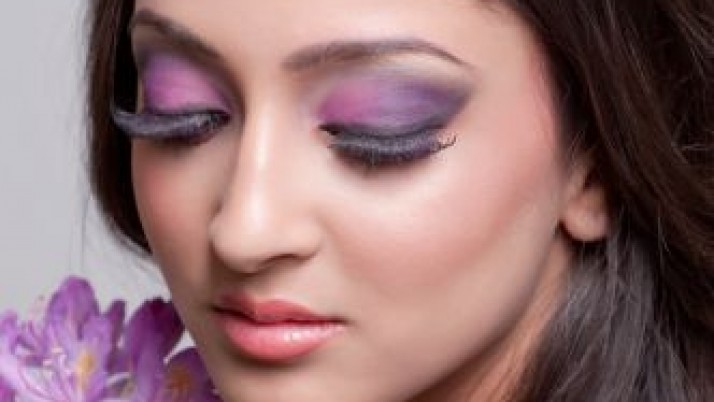 How to do purple wedding makeup
