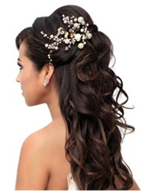 Bridal hairstyle beauty and style 171752 19bridalhairstylestotrythisweddingseasonstylecraze urmus Gallery