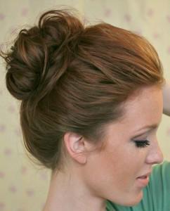 1Freckled_fox_hair_tutorial_basics_week_series_ten_second_top_knot_pin-31