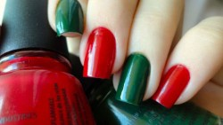 Red and green nail art design