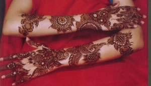 2-Bridal-mehndi-designs-for-hands-and-feet-620x354