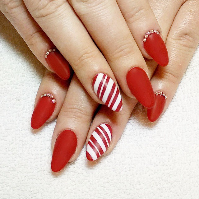 Red nail art tutorial