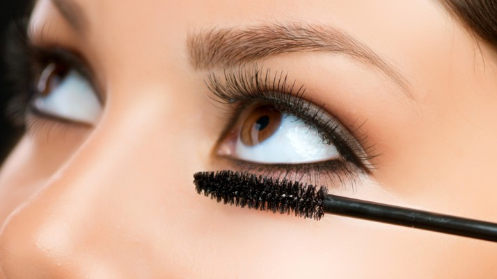 Different ways to make mascara at home