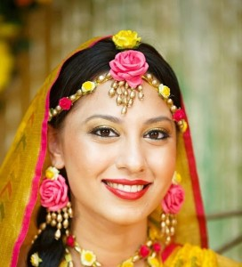Beautiful-Bridal-Flower-Mehndi-Jewellery-2013-19