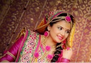 Beautiful-Bridal-Flower-Mehndi-Jewellery-2013-6