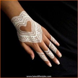 Beautiful-White-Henna-Tattoos-for-Hands-2