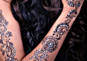 Bisha-Mistry's-Stunning-Mehendi-Designs-for-Girls-6