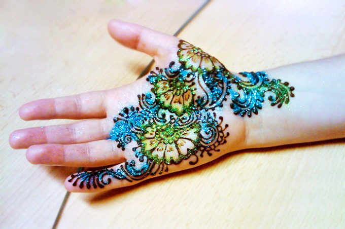 Henna Mehndi Stickers : Top mehndi stickers beauty and style