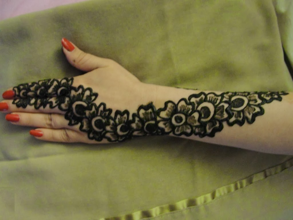 Flower Mehndi Designs For Back Hands : Bombay style mehndi design beauty and