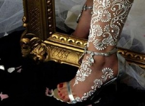 beautiful-white-henna-designs-five
