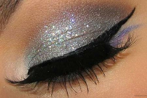 Shimmery eye make up