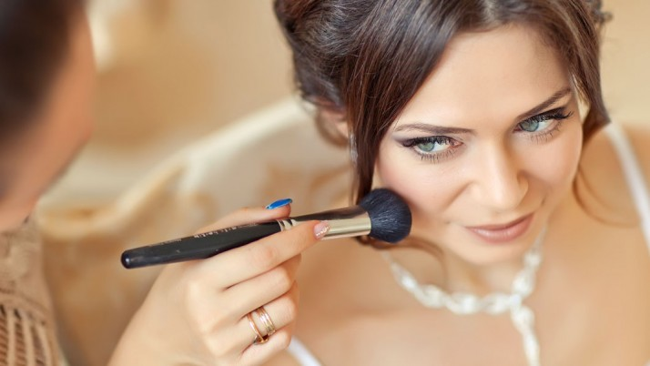 Best Wedding Day Makeup Tips Based On The Wedding Time