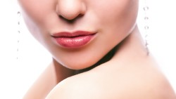 Easy steps to get fuller lips without a surgery