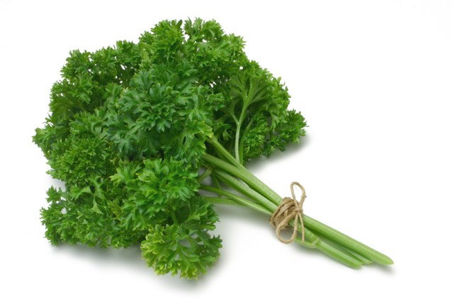 Amazing Benefits Of Parsley (Ajmood) For Skin, Hair And Health