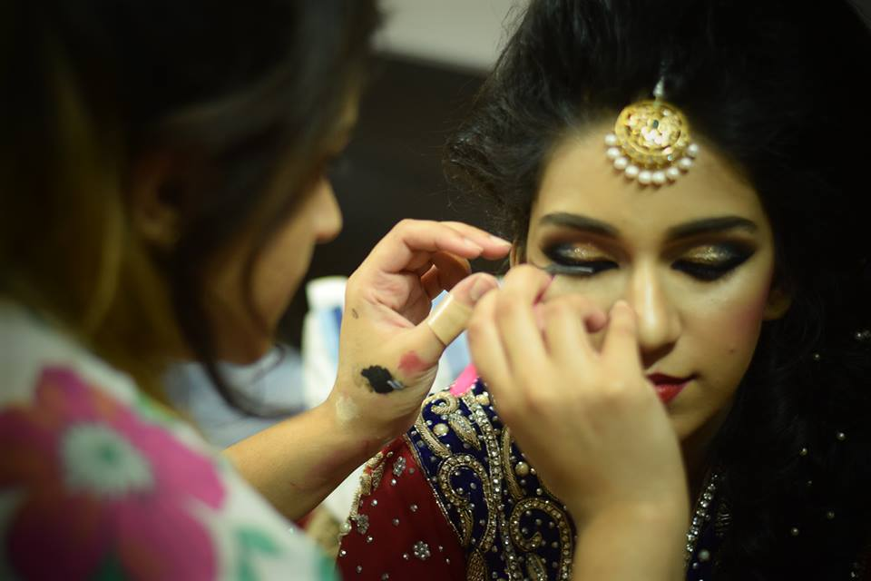 Things To Consider For Your Bridal Makeup Package