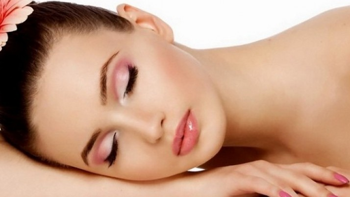 Simple home remedies to get beautiful naturally