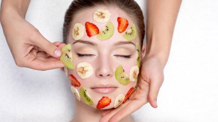 Simple Homemade Fruit Packs for Oily Skin