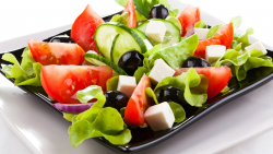 Tasty and Low Calorie Salads You Can Make At Home