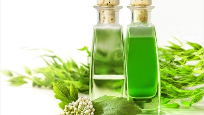 IS Tea Tree Oil Helpful  in Treating Pimples?