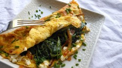 Broccoli & Feta Omelet with Toast