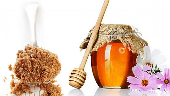 Simple Ways to Make Honey and Sugar Scrub