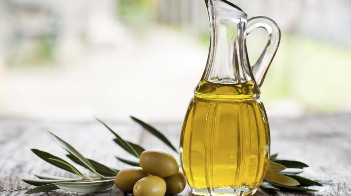 How To Use Olive Oil To Treat Dandruff?