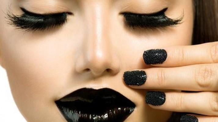 How To Wear Black Lipstick