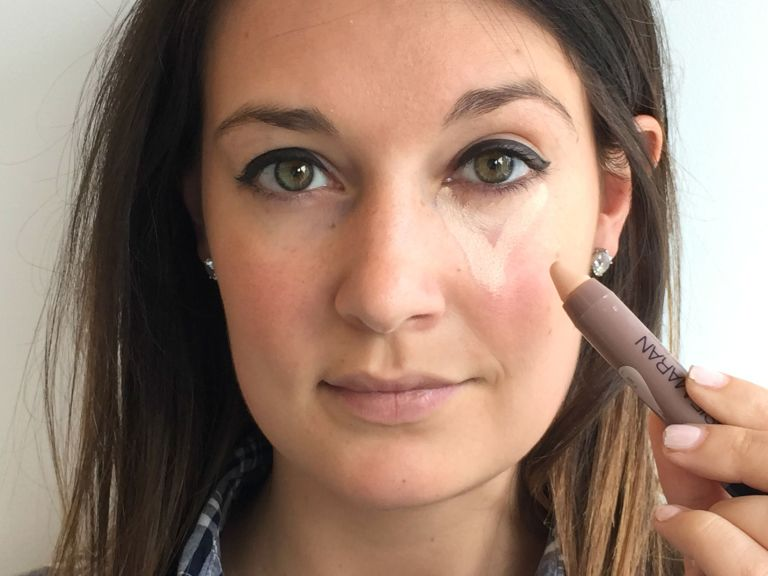 How to apply concealer under eyes perfectly? | Beauty and Style