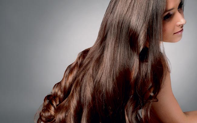 How to get silky and bouncy hair in summer?
