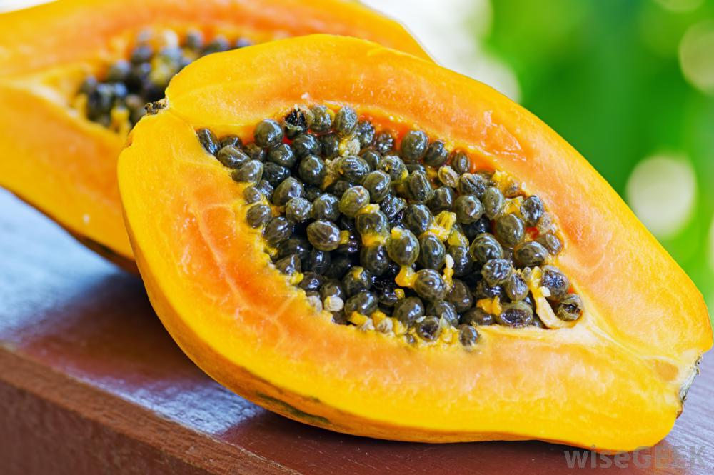 Side Effects of Eating Too Much Papaya Seeds
