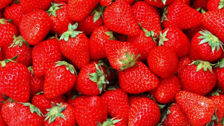 Strawberry Face Packs for Glowing Skin