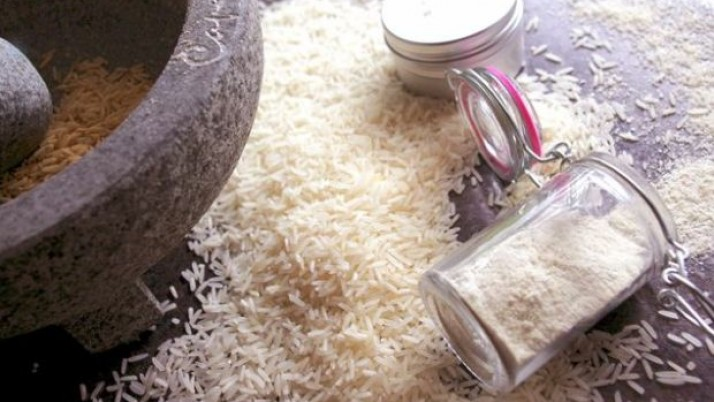 Amazing Homemade Exfoliating Rice Face Pack to Refresh Your Skin
