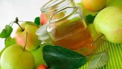 Beauty Recipes of Apple Cider Vinegar