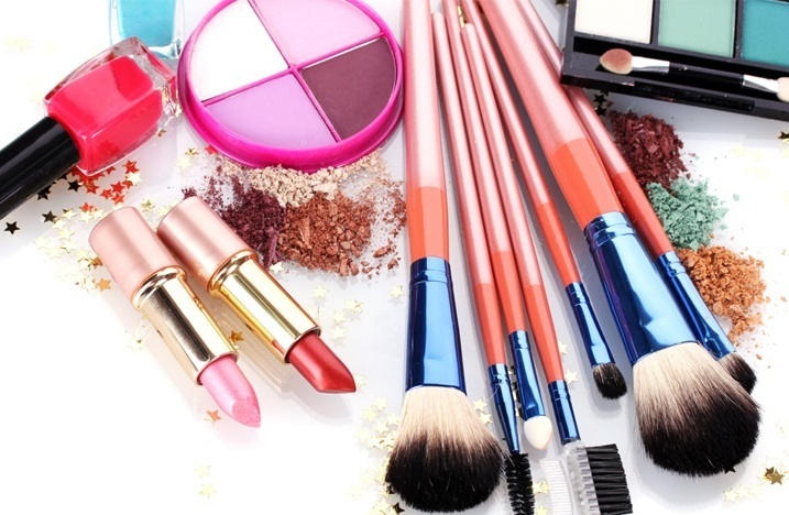 Best Products To Use This Monsoon – Makeup