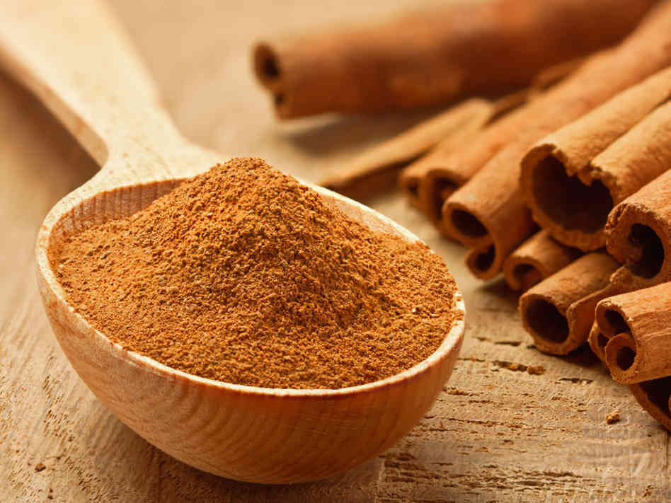 Easy Steps To Instantly Plump Up Your Lips With Cinnamon