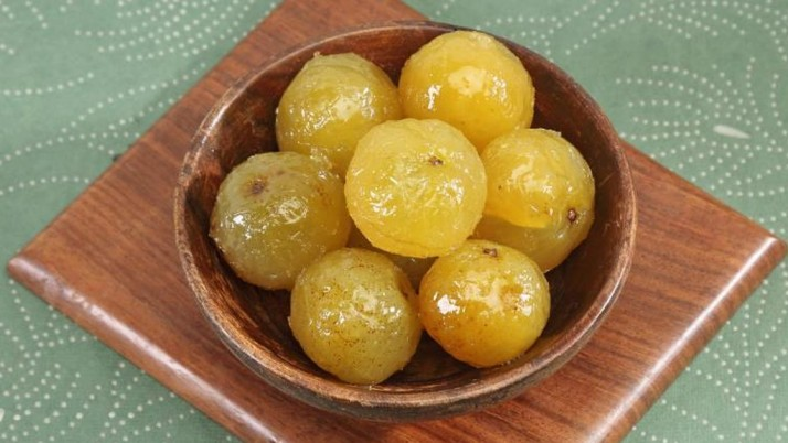 HEALTH BENEFITS OF AMLA SOAKED IN HONEY