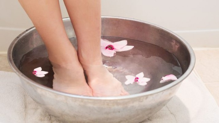 Homemade Foot Soak To Get Soft Feet