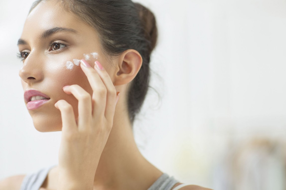 How To Pick The Right Foundation For Dry Skin With Top 3 Products