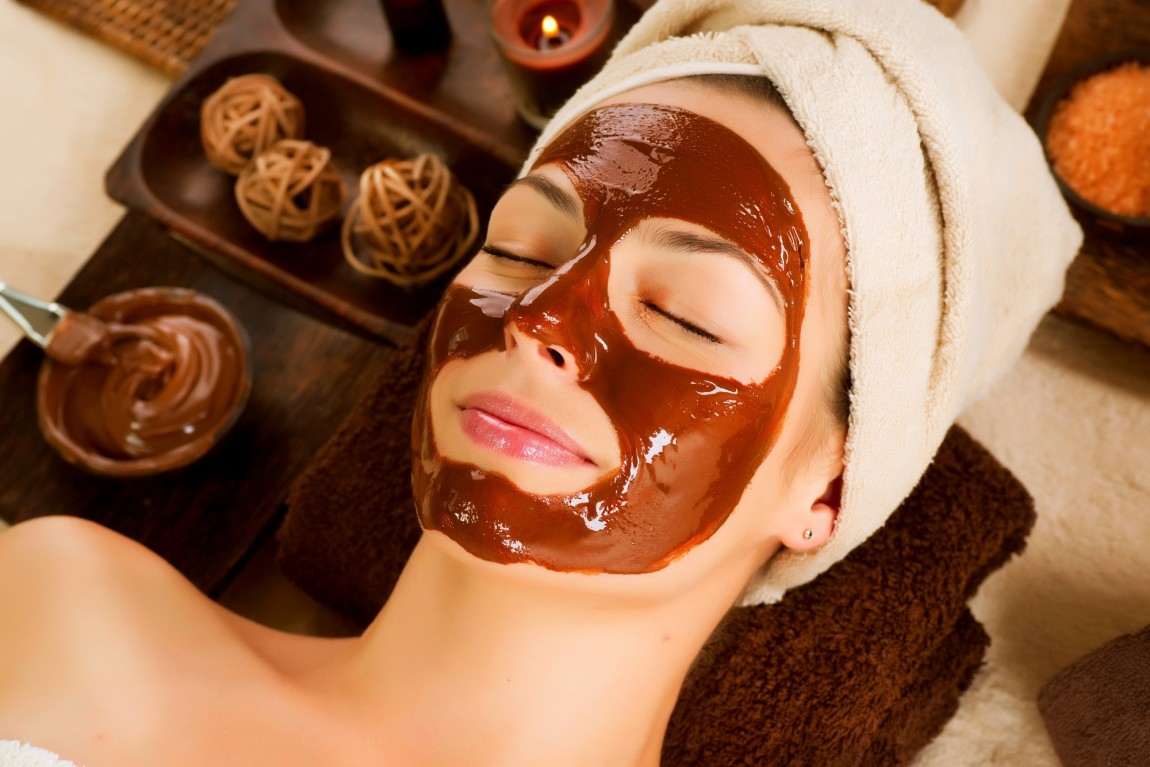 Simple Steps to Do a Chocolate Facial At Home