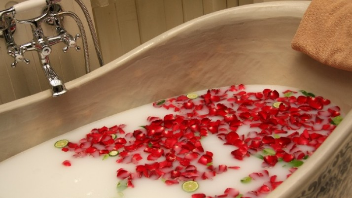 Steps To Take A Detox Bath At Home